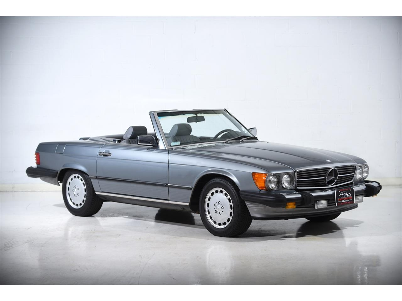 1988 Mercedes-Benz 560 for sale in Farmingdale, NY