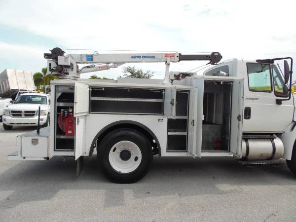 International Tool Utility body *CRANE Truck* MECHANIC SERVICE TRUCK for sale in West Palm Beach, FL – photo 8