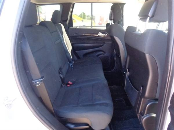 2011 Jeep Grand Cherokee Laredo for sale in Sioux Falls, SD – photo 12