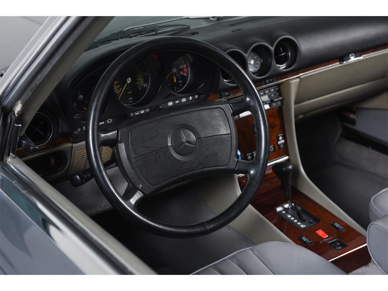 1988 Mercedes-Benz 560 for sale in Farmingdale, NY – photo 21