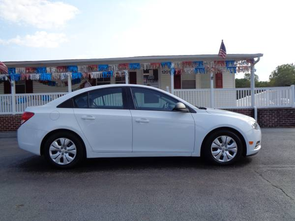 2014 Chevrolet Cruze One Owner Immaculate Condition for sale in Rustburg, VA – photo 8