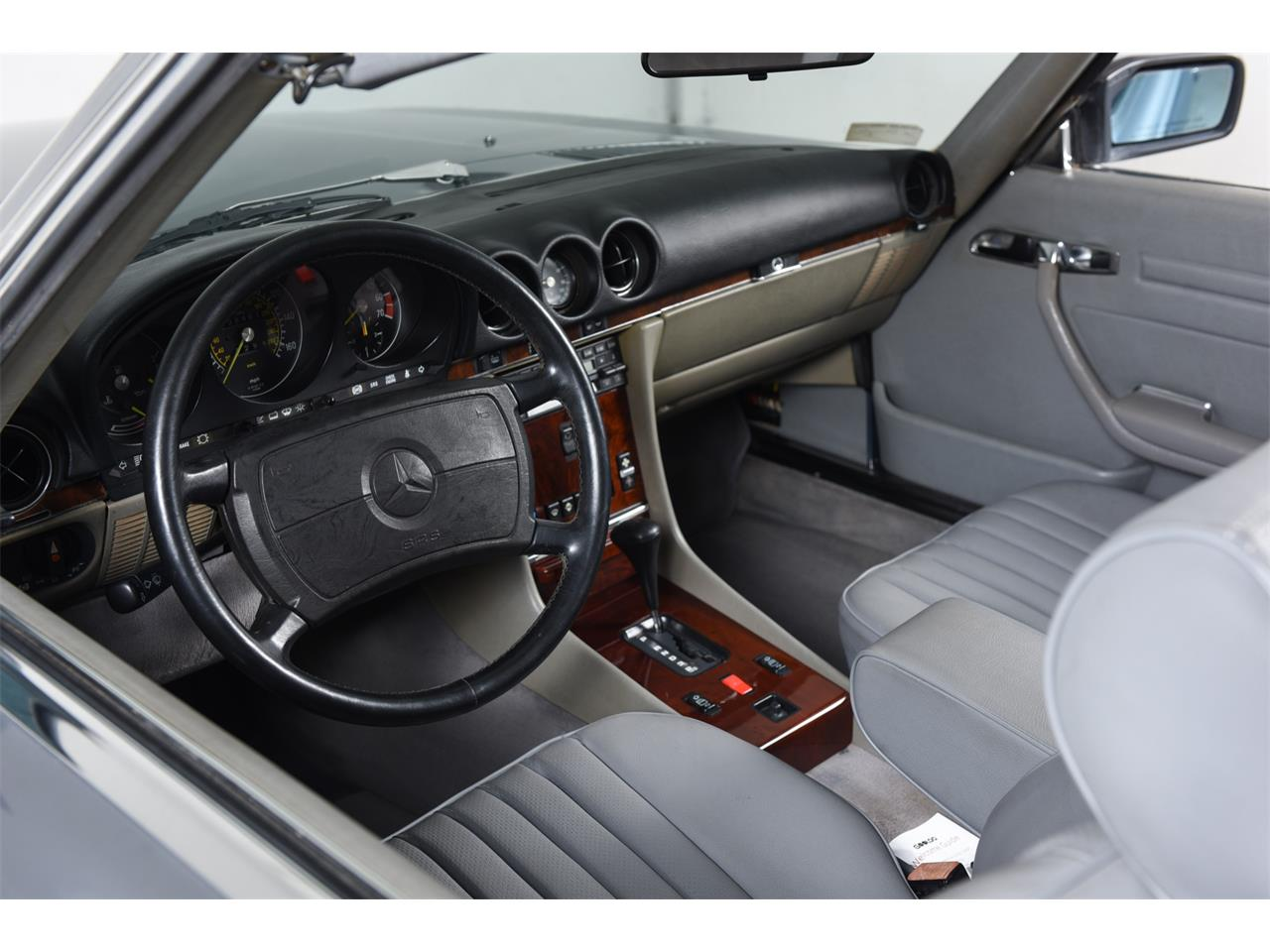 1988 Mercedes-Benz 560 for sale in Farmingdale, NY – photo 22