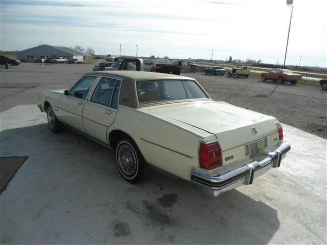 1981 Oldsmobile Delta 88 for sale in Staunton, IL – photo 2