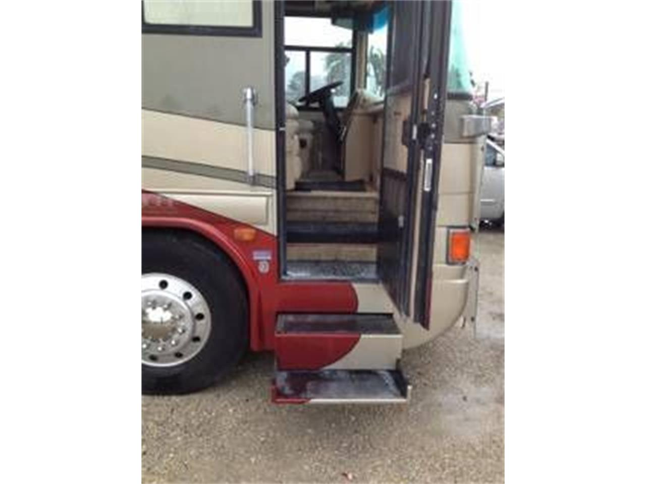 2002 Country Coach Intrigue for sale in Cadillac, MI – photo 5