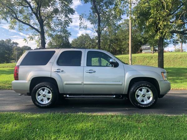 2007 Chevrolet Tahoe Z71 4WD LIKE NEW! for sale in Forsyth, MO – photo 2