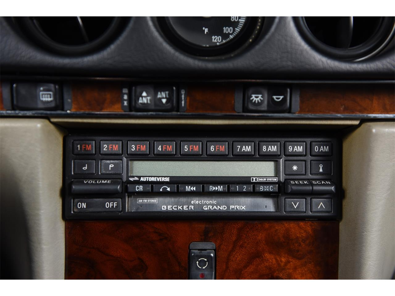 1988 Mercedes-Benz 560 for sale in Farmingdale, NY – photo 34