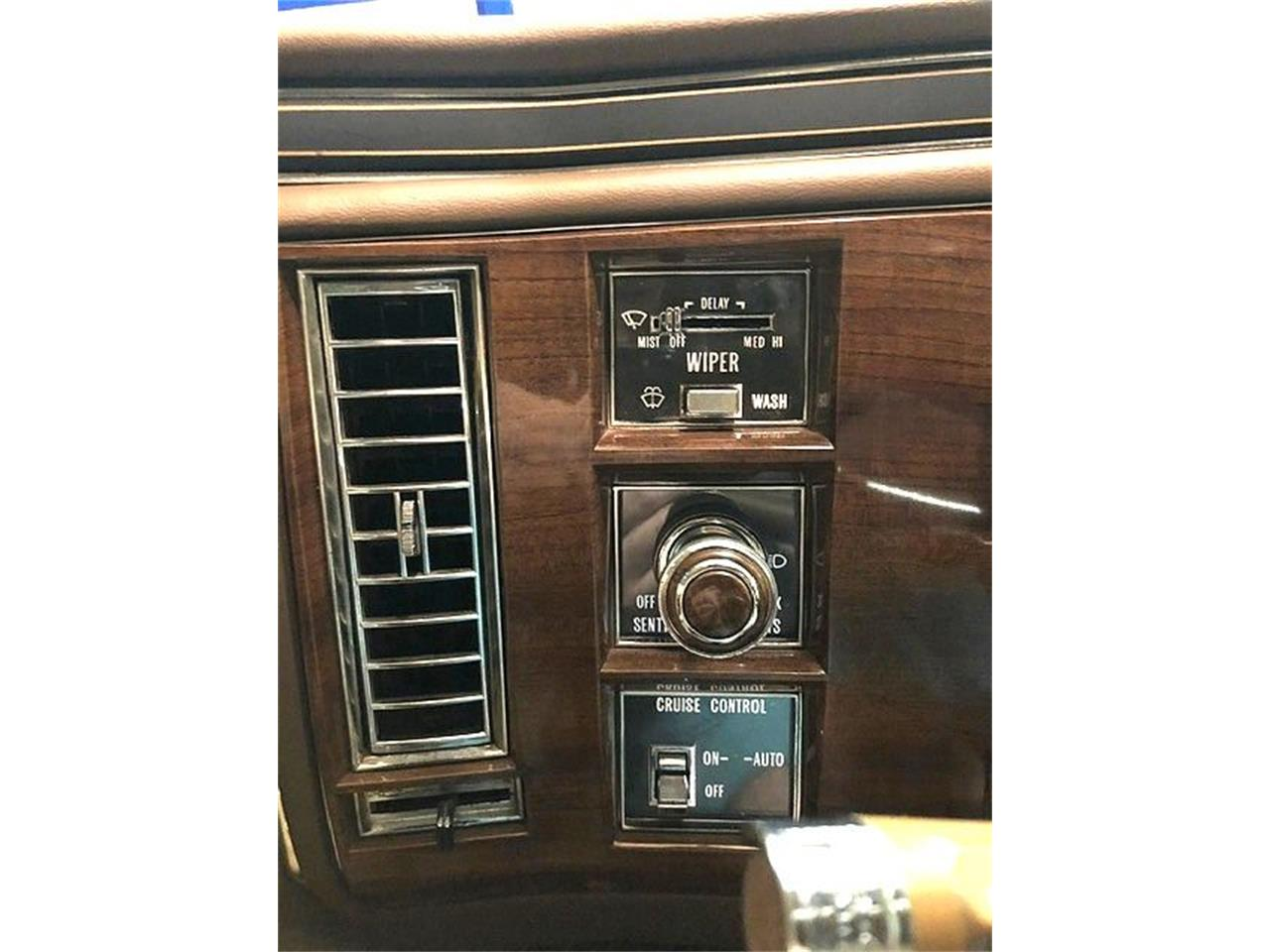 1987 Cadillac Fleetwood Brougham for sale in Stratford, NJ – photo 32