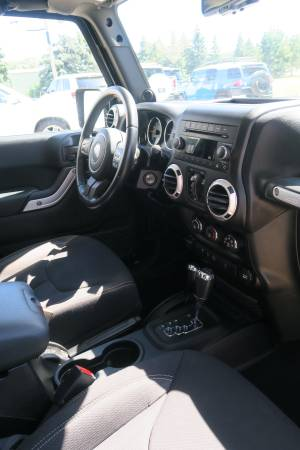 2013 Jeep Wrangler Unlimited Sahara 4WD **One Owner Clean ...