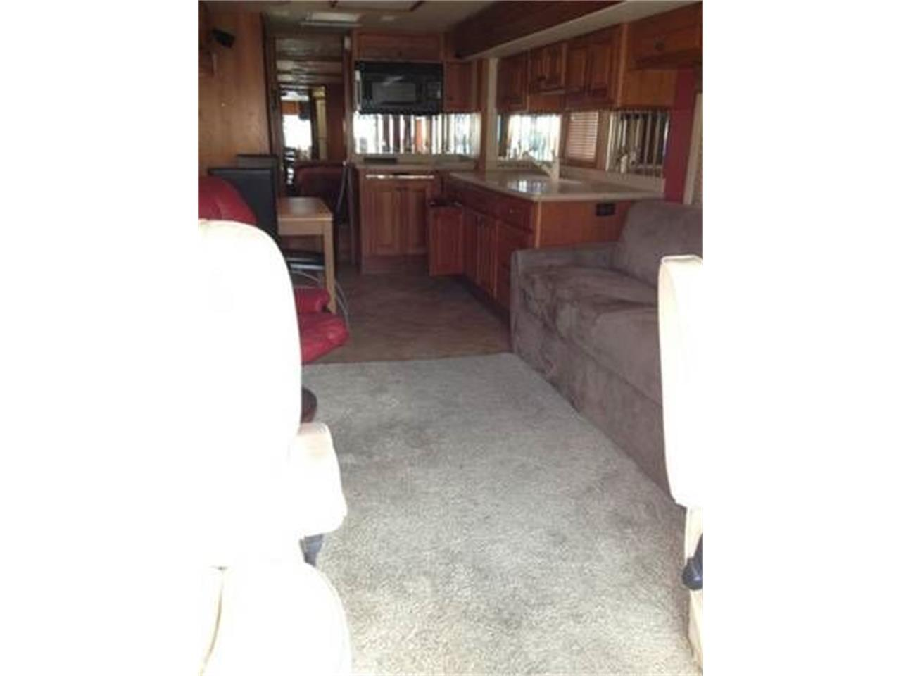 2002 Country Coach Intrigue for sale in Cadillac, MI – photo 4