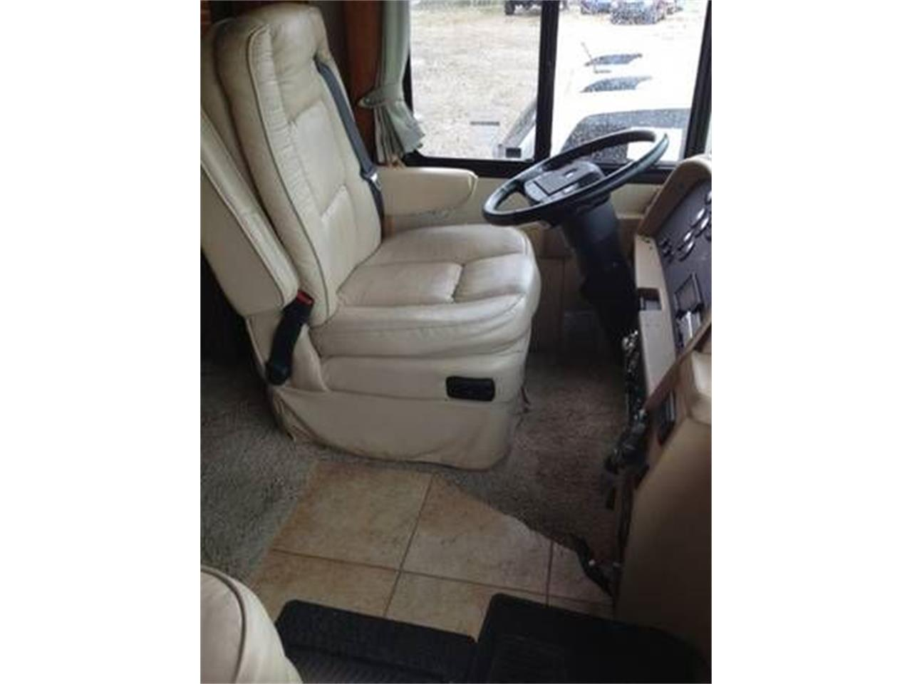 2002 Country Coach Intrigue for sale in Cadillac, MI – photo 15